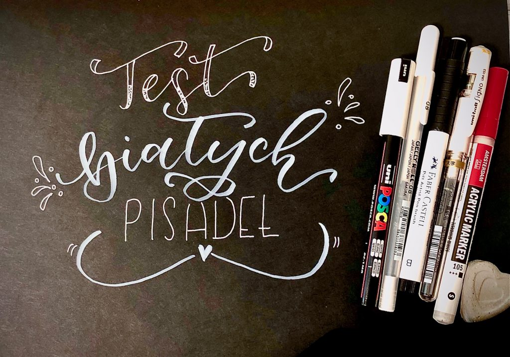 IMG 2791 1024x717 - Test pięciu białych pisaków, w tym biały brush pen